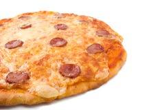 Les pepperoni italiennes savoureuses de pizza se ferment vers le haut. Images libres de droits