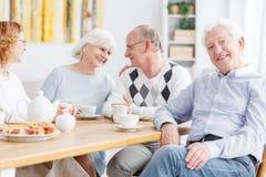 Les personnes âgées à la maison de repos Photo libre de droits