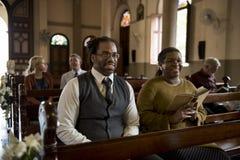 Les personnes d'église croient la foi religieuse photos libres de droits