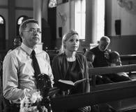 Les personnes d'église croient le concept religieux de foi Photo libre de droits