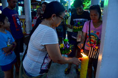 Les personnes thaïlandaises prient avec le Gange ou la déesse de l'eau en Loy Kr Photographie stock