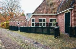 Les petites maisons dans Bourtange, un Néerlandais ont enrichi le village dans images libres de droits