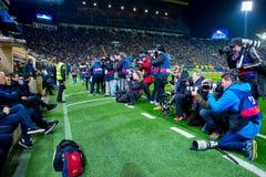 Les photographes prennent des photos au match de Liga de La entre le Villarreal CF et le FC Barcelona Photo libre de droits
