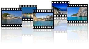Les photos de souvenirs de vacances en film dépouillent des cadres sur le fond blanc avec la réflexion Photographie stock