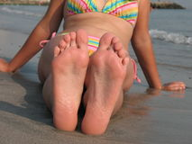 Les pieds de la fille Image libre de droits