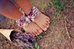 Les pieds des enfants Images libres de droits