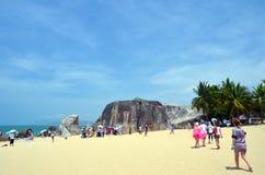 Les pierres énormes dans le ` s du monde de parc finissent, la Chine, Hainan, Sania Images stock