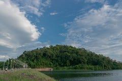 Les piles solaires de photo de barrage augmentent l'utilisation de l'énergie solaire de réduire photos stock