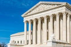 Les piliers de la justice au bâtiment de court suprême photos stock