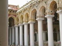 Les piliers retiennent les cieux Image stock