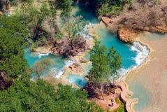 Les piscines au fond de Havasu tombe en Arizona Photos libres de droits
