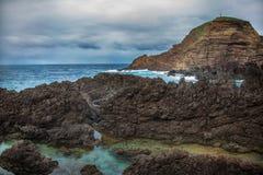 Les piscines naturelles à Porto Moniz, île de la Madère, Portugal Photo libre de droits