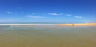 Les plages atlantiques énormes de la péninsule occidentale du sud de Cap Ferret de Frances, France occidentale du sud Images libres de droits