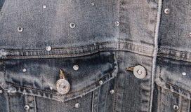 Les poches de veste bleue de collection de denim de vente font des emplettes images stock