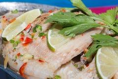 Les poissons cuits à la vapeur, style chinois ont cuit des poissons à la vapeur Photo libre de droits