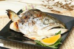 les poissons délicieux ont préparé des sushi de bifteck photographie stock