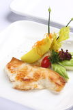Les poissons grillés avec garnissent Photographie stock libre de droits