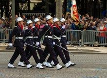 Les pompiers français participent au défilé militaire de jour de bastille, Photographie stock