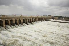 Les portes de barrage s'ouvrent Images libres de droits