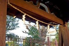 Les portes du temple décoré Image stock