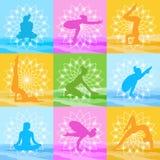 Les poses de yoga ont placé la silhouette de femme au-dessus de belle Lotus Icon Colorful Ornament Photos stock