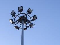 Les projecteurs sur le haut poteau Images libres de droits