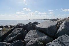 Les protections côtières de Felixstowe Photos libres de droits