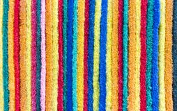 Les protections de récurage rassemblent dans de belles surfaces colorées Photo stock