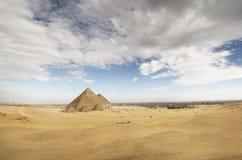 Les pyramides de Giza Photo stock