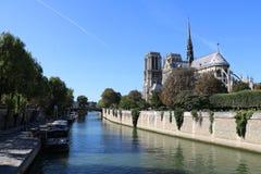 Les quais de Notre-Dame stock image