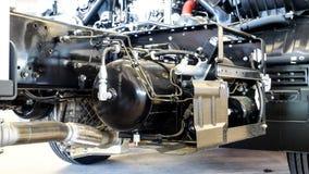 Les réservoirs de carburant et pour découvrir les pièces de rechange est sous le devoir de 6 roues Photo libre de droits
