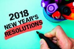 Les résolutions des nouvelles années des textes 2018 d'écriture de Word Concept d'affaires pour la liste de buts ou de cibles à ê Photos stock