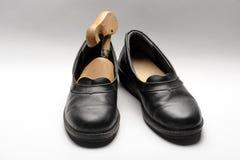 Les rétros chaussures des hommes Photos libres de droits