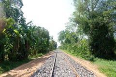 Les rails du train en bambou dans la province de Battambang, Cambodge photo libre de droits