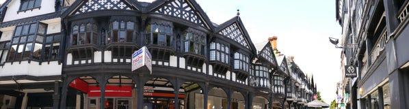 Les rangées sont Tudor Black et les bâtiments blancs en Chester England photo libre de droits