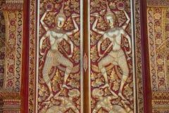 Les rayures thaïlandaises traditionnelles donnent à décoratif une consistance rugueuse dans le temple, Thaïlande Image libre de droits