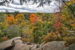 Les rebords donnent sur le parc national de vallée de Cuyahoga Photographie stock libre de droits