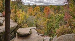 Les rebords donnent sur le parc national de vallée de Cuyahoga Image libre de droits