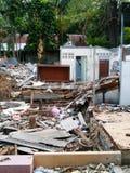 Les restes après destruction de maison photo stock