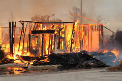 Les restes ardents d'un incendie de Chambre Photo libre de droits