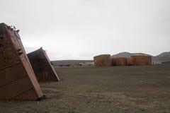 Les restes d'une vieille station de pêche à la baleine au ` s de baleinier aboient, île de duperie, Antarctique Images libres de droits
