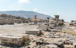 Les restes du hall de palais dans les ruines du Grec - ville romaine du 3ème siècle AVANT JÉSUS CHRIST - l'ANNONCE du 8ème siècle photo libre de droits