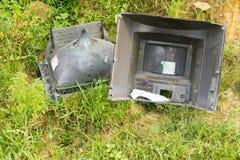 Les restes ont endommagé la télévision cassée Photos libres de droits