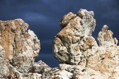 Les roches sur Kleinmond échouent, le Cap-Occidental, Afrique du Sud photographie stock libre de droits