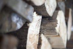 Les rondins en bois de fond Image stock