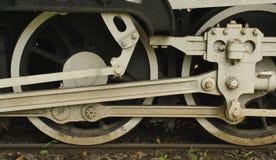 Les roues du train images stock