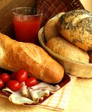 Les roulis de pain avec le pavot du jambon et Image libre de droits