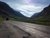 Les routes de l'Ecosse pendant l'été Images libres de droits