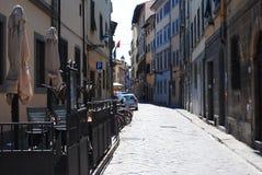 Les rues de la ville de Florence ont abandonné, tôt le matin photographie stock