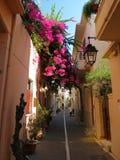 Les rues de Rethymno heurtent dans la beauté photos libres de droits